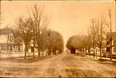 South Broadway (Early 1900s) [This image is used with permission of Hicksville Public Library]